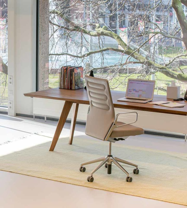 office space computer. your own office space with flexible contract. computer