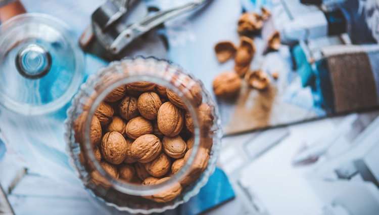food-nature-autumn-nuts (1)