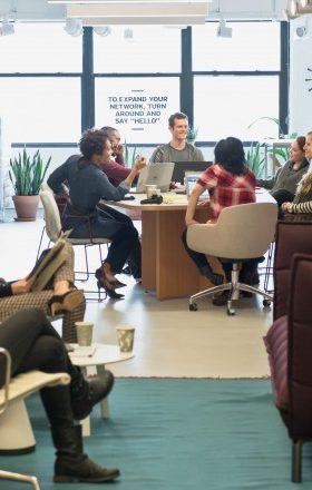 Cómo mantener a tus empleados felices sin darles un aumento de sueldo