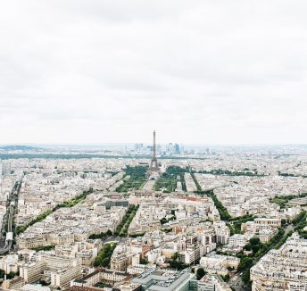 Familiarities within the French working culture