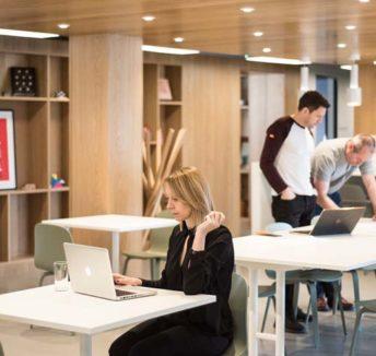 75% av bedrifter innfører fleksibel arbeidsplass for å redusere reisetiden til og fra jobb.