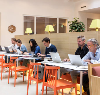 The magic of coworking spaces unravelled: the place to thrive and high five