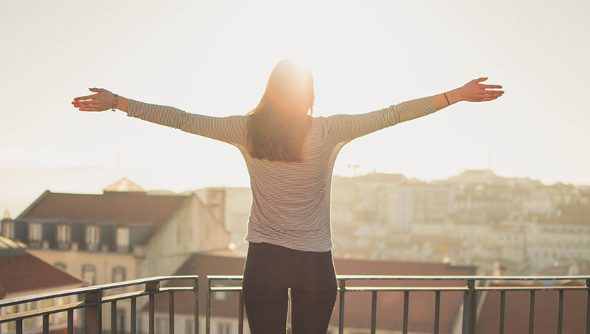 Embrace the power of now: stop worrying, start living in the ...
